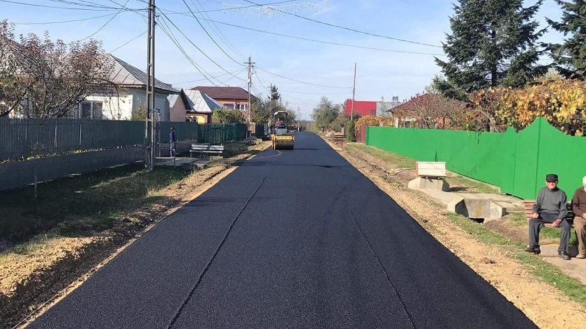 Primăria Produlești a demarat lucrările de asfaltare