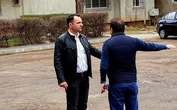 Primar Târgoviște: Au inceput lucrarile de asfaltare a parcarii din spatele blocurilor C6 - C10, microraionul nr. 3