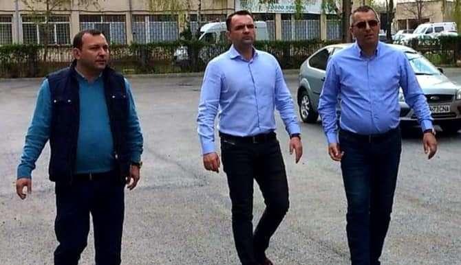 Primarul Cristian STAN: Au debutat lucrările de asfaltare a parcărilor de pe strada I.E.Florescu