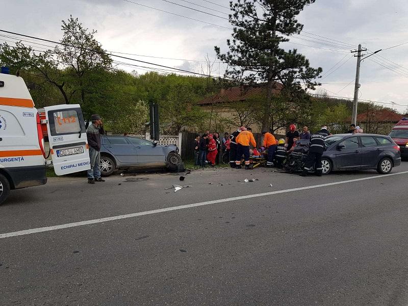 Șase persoane au fost rănite în urma unui accident pe Drumul Național 72