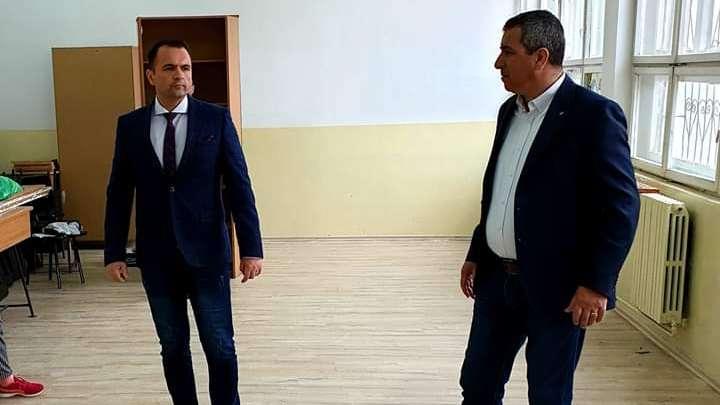 Primar Cristian Stan: Astăzi am verificat lucrările de amenajare din cadrul Școlii Gimnaziale Grigore Alexandrescu