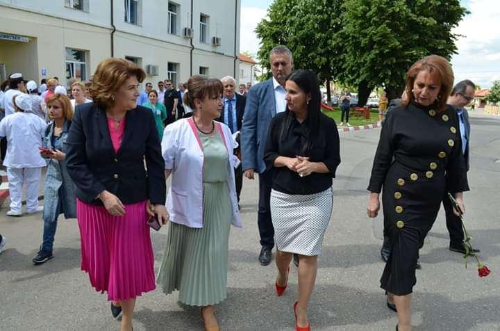 Rovana Plumb alături de Ministrul Sănătății Sorina Pintea în vizita efectuată la spitalele din Găești și Târgoviște