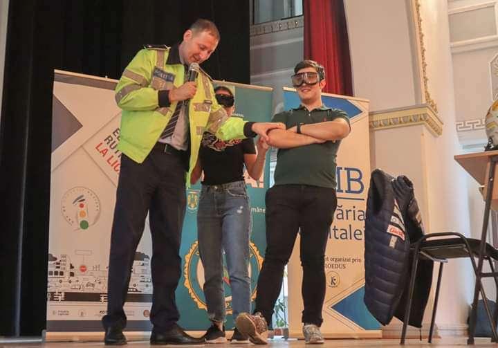 Polițist :,,Aveți idee care este principala cauză de deces pentru tinerii de vârsta voastră