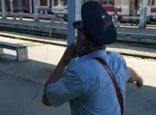 Nașul de tren a fost cât pe ce să rămână în gară