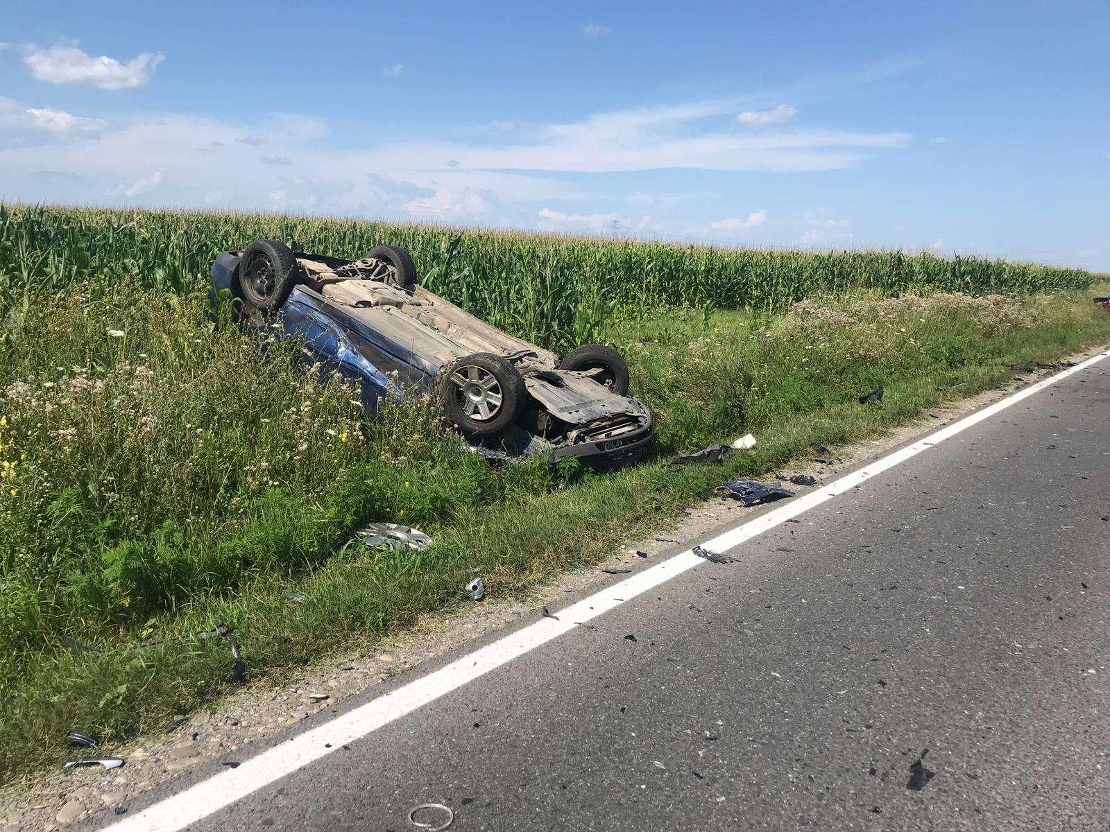 Accident la Dărmănești! Două persoane au fost rănite!