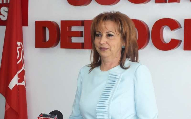 Deputat Carmen Holban: Președintele-frână și Opoziția-fugă!
