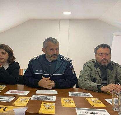 Polițiștii și specialiștii de la Anticorupție, vizită la C.A.R Pucioasa