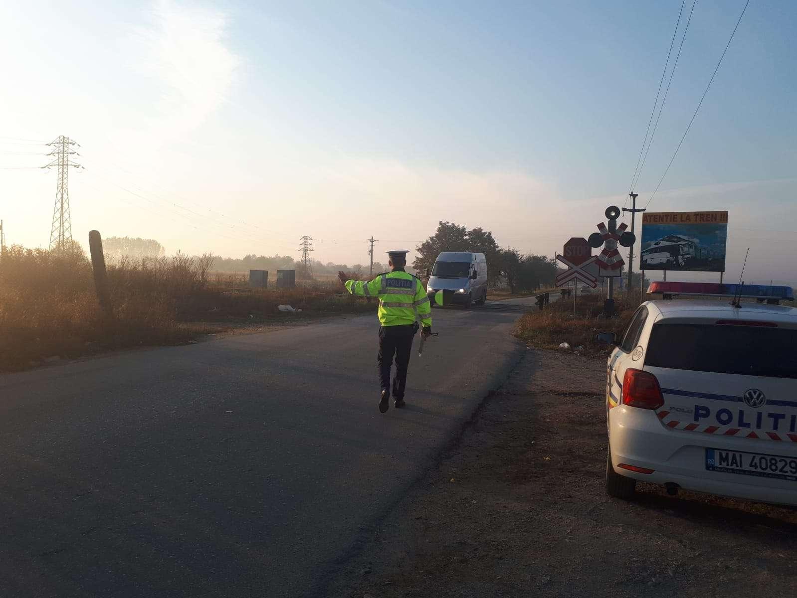 Actiune a polițiștilor la trecerile la nivel cu calea ferată