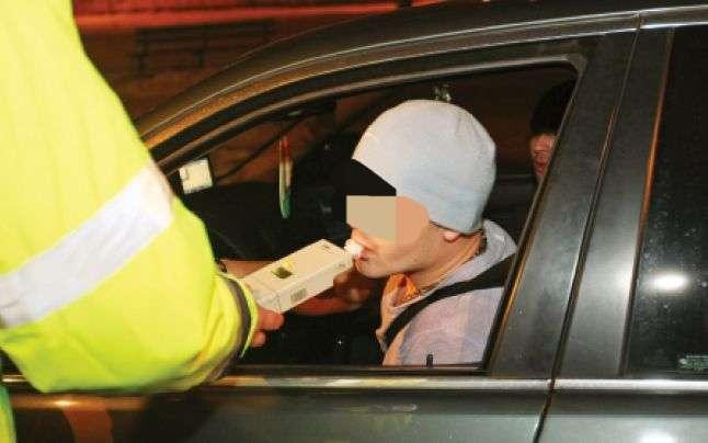 Weekend plin cu șoferi băuți la volan! Polițiștii au deschis dosare penale