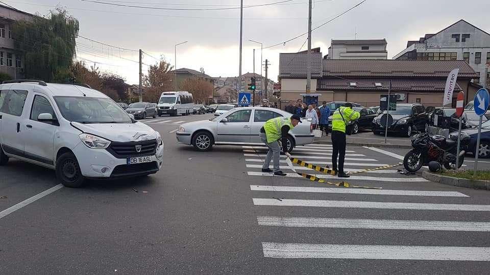 Accident în Târgoviște! Un motociclist a ajuns la spital!
