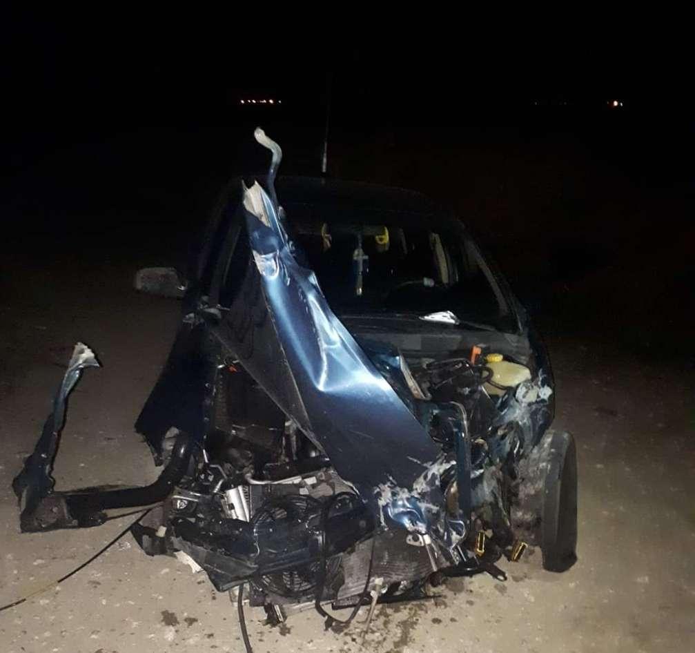 Un autoturism a fost lovit de Săgeata Albastră la Găești!